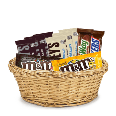 Basket with Chocolates in Distrito Nacional