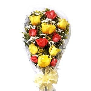Bouquet of pink and yellow roses in Azua